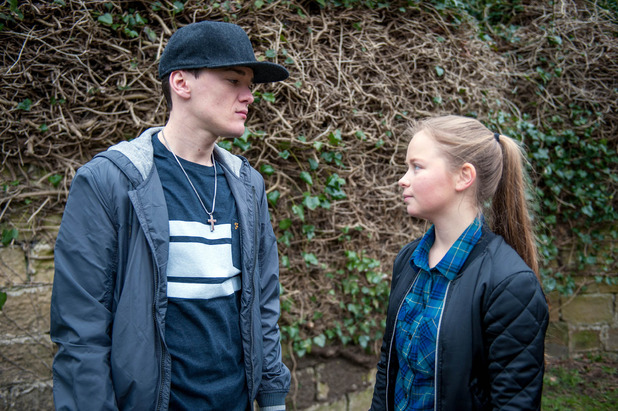 emmerdale, Liv pays Ryan off, Tue 31 May