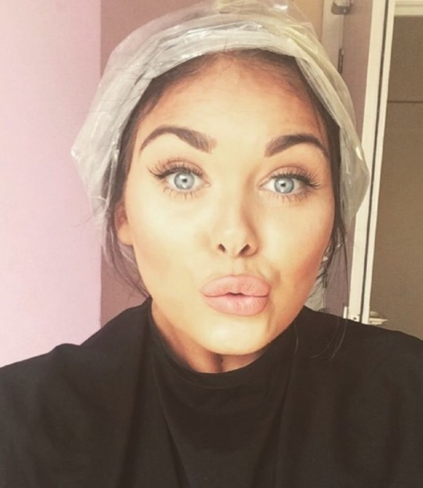 Scarlett Moffatt dyes her hair grey - 26 May 2016