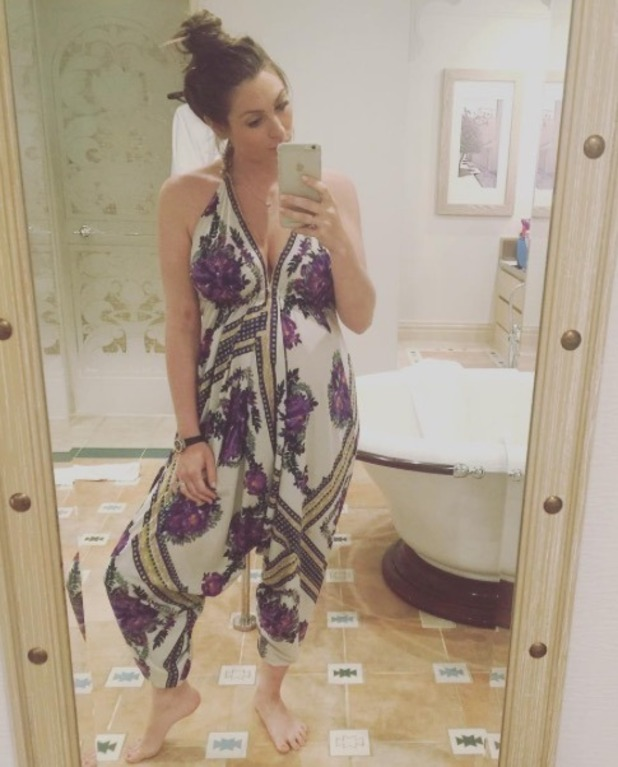 Luisa Wissman shares new bump picture at eight months pregnant - 1 June 2016