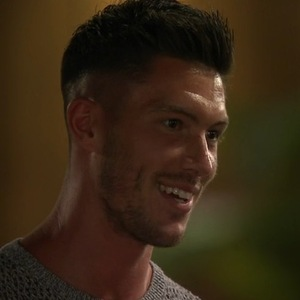 Adam Maxted, Love Island 8 June