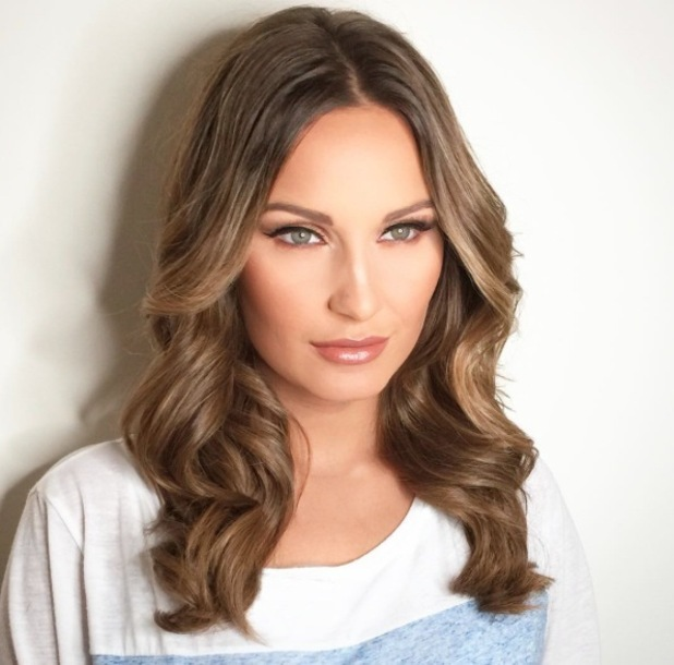 Former TOWIE star Sam Faiers and make-up artist Lyndsey Harrison share product breakdown on Instagram, 13th June 2016