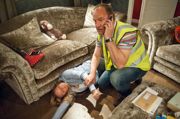 Emmerdale, Nicola collapses, Wed 29 Jun