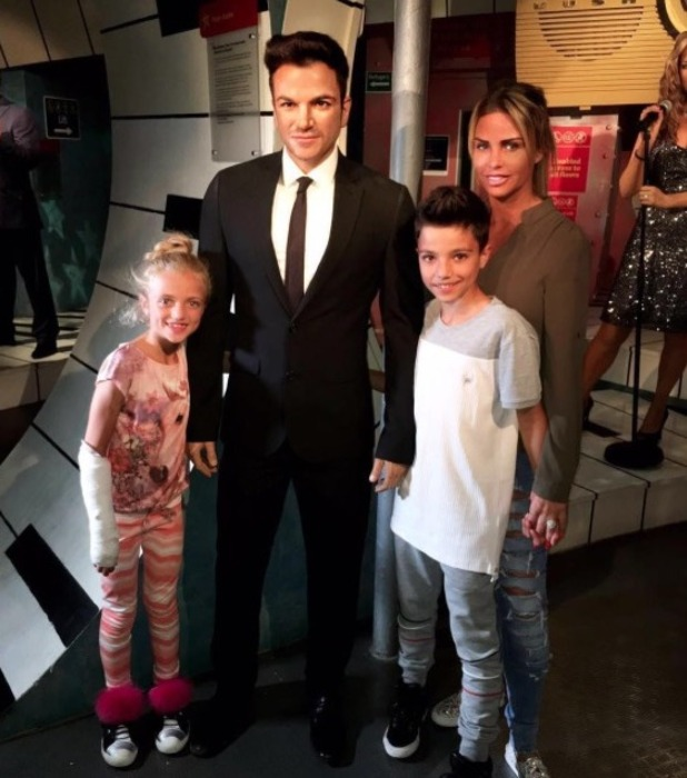Katie Price poses with Peter Andre waxwork museum  - 21 June 2016