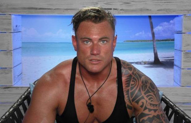 tom love island - photo #2