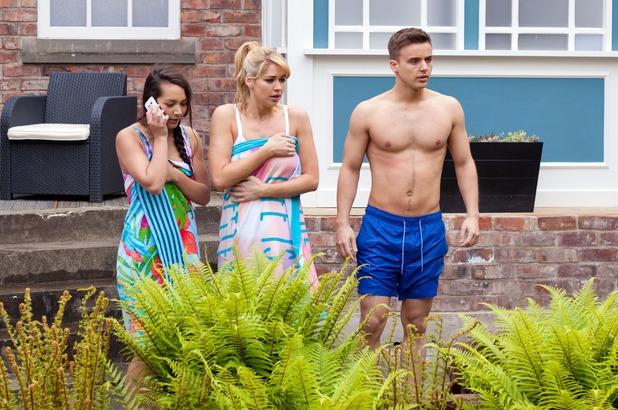 Hollyoaks, Cleo, Holly, Harry, shocked, Tue 12 Jul