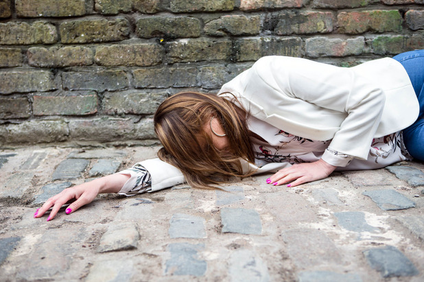 Corrie, Tracy collapses, Fri 1 Jul