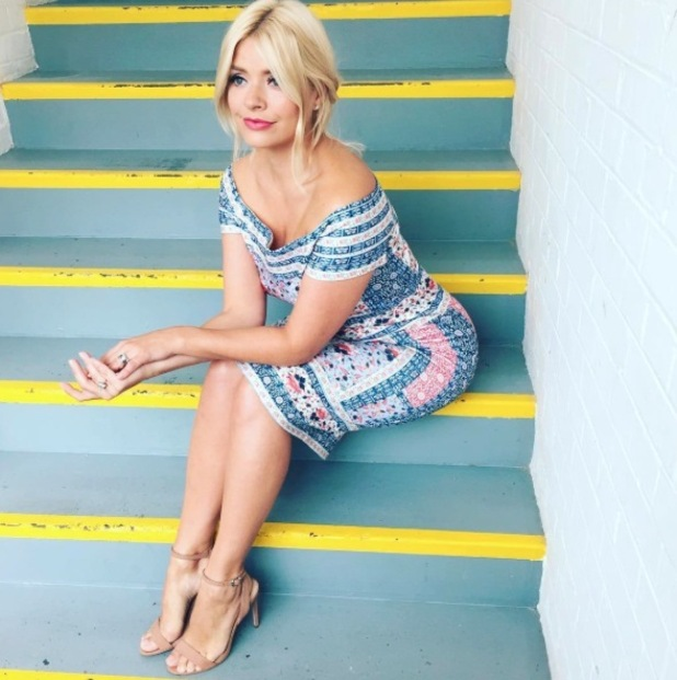 Holly Willoughby wears £40 Oasis dress on This Morning, 28th June 2016