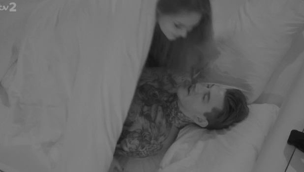 Love Island Episode 32: Terry and Emma sleep together