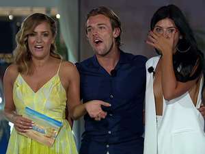 Cara De La Hoyde and Nathan Massey are crowned the winners of Love Island 2016. Cara Choose to share half of her £50,00 prize money with Nathan on 'Love Island: Final'. Broadcast on ITV2HD