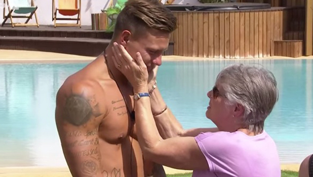 Love Island: Alex Bowen meets Olivia Buckland's mum and grandmother 13 July 2016