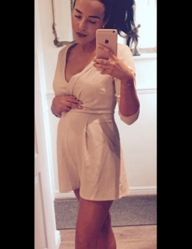 Stephanie Davis shares baby bump picture to Twitter 13 July 2016