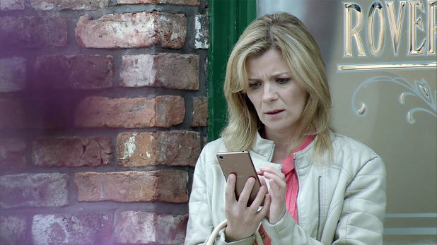 Corrie, Leanne calls the dad, Fri 22 Jul