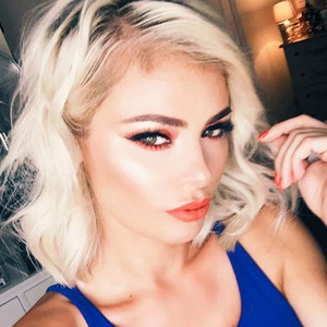 TOWIE's Chloe Sims takes out her hair extensions and sports shortest ever look on Instagram, 25th July 2016