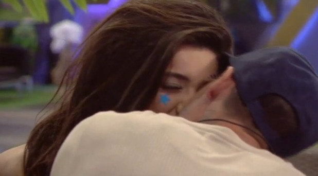 Celebrity Big Brother 2016: Stephen Bear dares Chloe Mafia to a kiss 4 August 2016