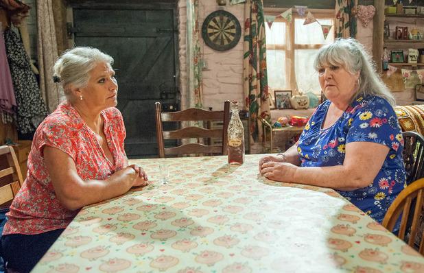 Emmerdale, Joanie confonts Lisa, Tue 9 Aug