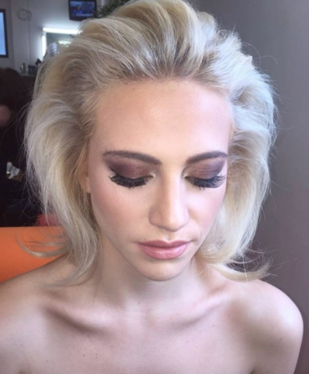 Pixie Lott rocks chocolate brown, smoky eyeshadow for appearance on Good Morning Britain, 1 August 2016