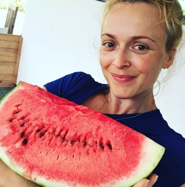 Fearne Cotton no make-up, 'carrying a watermelon,' 10 August 2016