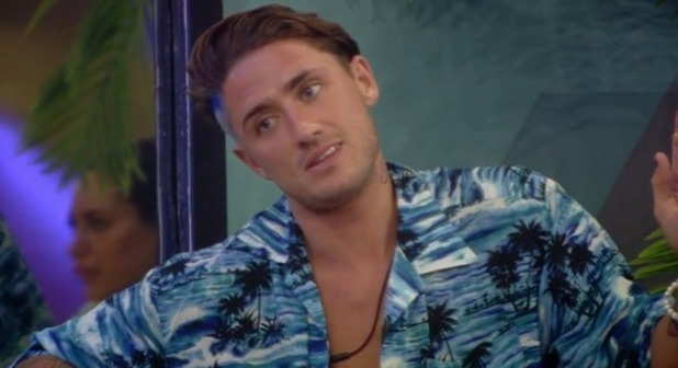 CBB: Sam lashes out at Bear after he asks for a cigarette 16 August 2016