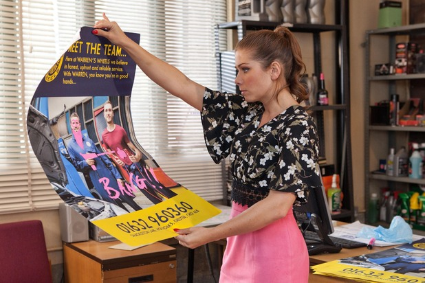 Hollyoaks, Maxine defaces Warren's poster, Wed 31 Aug