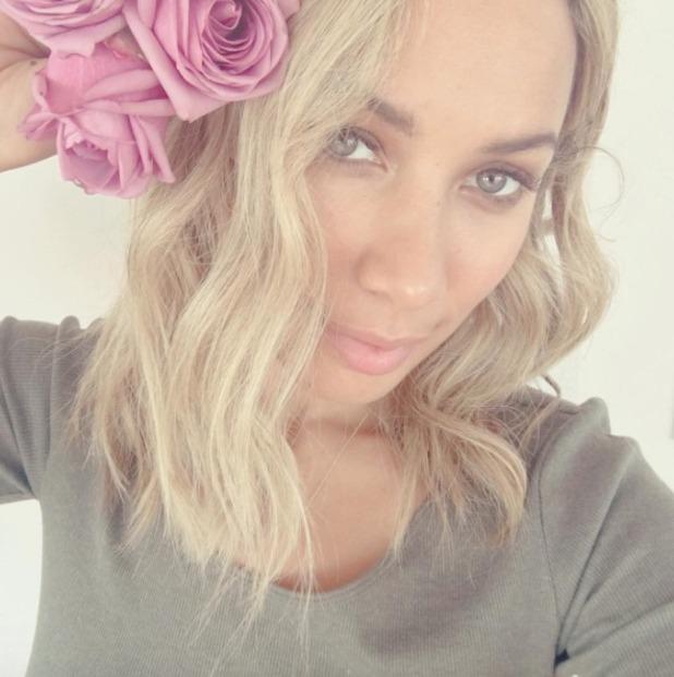 Leona Lewis selfie with flower in her hair, 19 August 2016