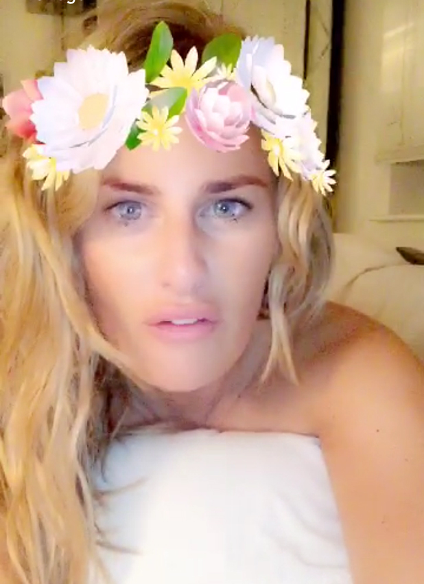 Danielle Armstrong defends her sexy Snapchat picture 25 August 2016