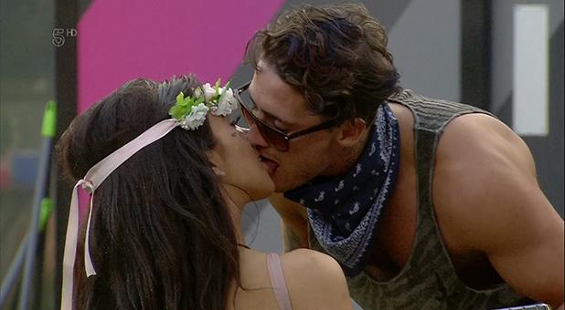 CBB: Bear and Chloe kiss August 2016