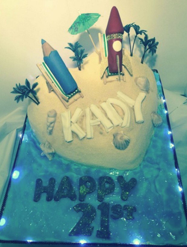 Kady McDermott's 21st birthday cake