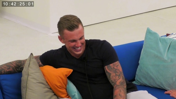 Ex On The Beach: Hawley reacts to Lillie Gregg kissing Stephen Bear 13 September