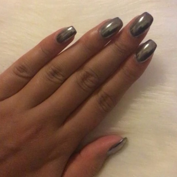 Love Island star Malin Andersson shows off chrome nails, 13 September 1016