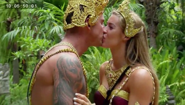 Ex On The Beach: Lillie Lexie Gregg and Hawley kiss on date 20 September