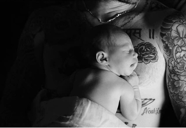 Adam Levine and Behati Prinsloo share first photo of baby, Dusty Rose, 24/9/16