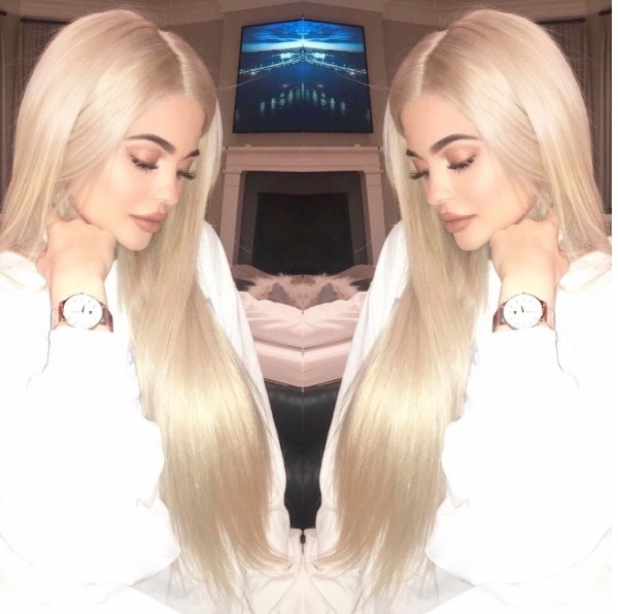 Keeping Up With The Kardashians star Kylie Jenner shows off her much longer blonde extensions, 28 September 2016