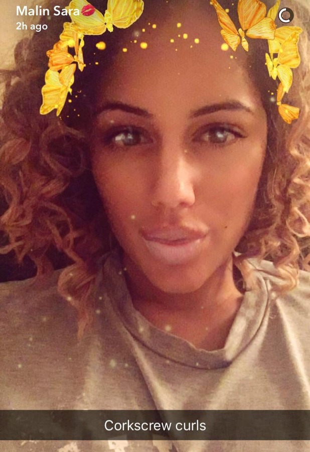 Love Island's Malin Andersson shows off her corkscrew curls on Snapchat, 26 September 2016