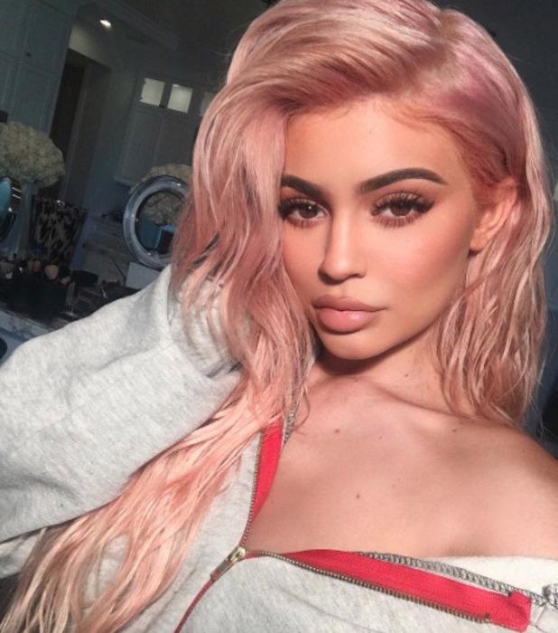 Kylie Jenner shows off her pink hair on Instagram, 6 October 2016