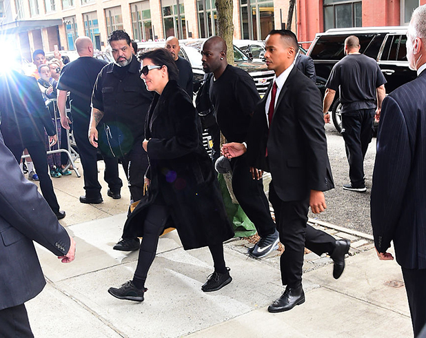 Kris Jenner arrives to Kim Kardashian's Manhattan apartment after Kim was robbed in her Paris, France hotel room on October 3, 2016 in New York City. (Photo by Raymond Hall/GC Images)
