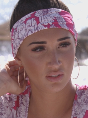 TOWIE: Megan is devastated by Pete's texts to another woman 12 October 2016