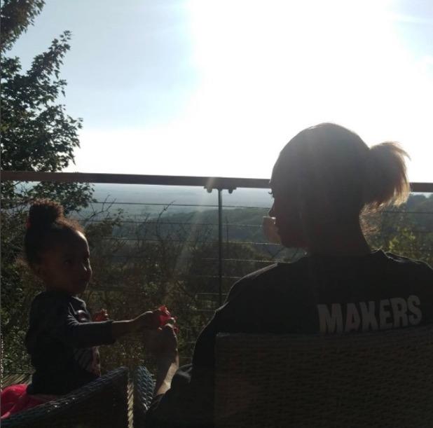 Alesha Dixon and Azura relax on a balcony - 12 Oct 2016