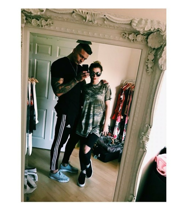 Love Island's Olivia Buckland and Alex Bowen in new selfie, 14/10/16