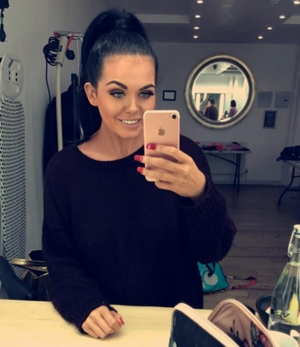 Gogglebox star Scarlett Moffatt shows off her Madonna-inspired hair in new selfie, Instagram 21 October 2016
