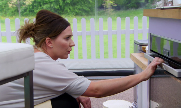 Candice Brown appears on The Great British Bake Off - 12 October 2016
