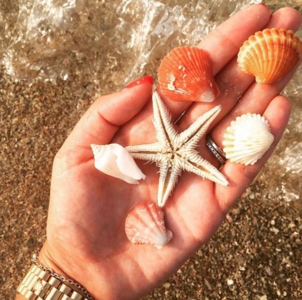 Michelle Keegan jokes with shells - Shell Keegan - 27 October 2016