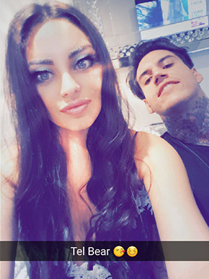 Love Island's Emma and Terry try filters on Snapchat 3 November 2016