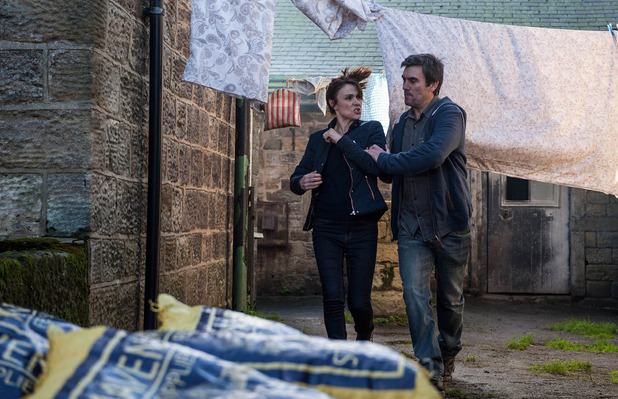 Emmerdale, Cain throws Emma out, Mon 28 Nov