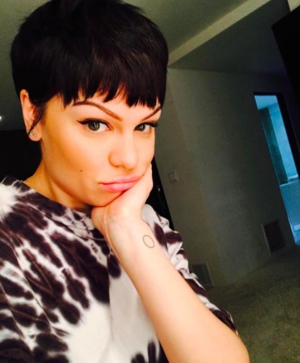 Jessie J rocks 'Lego' man short hair, 20 November 2016
