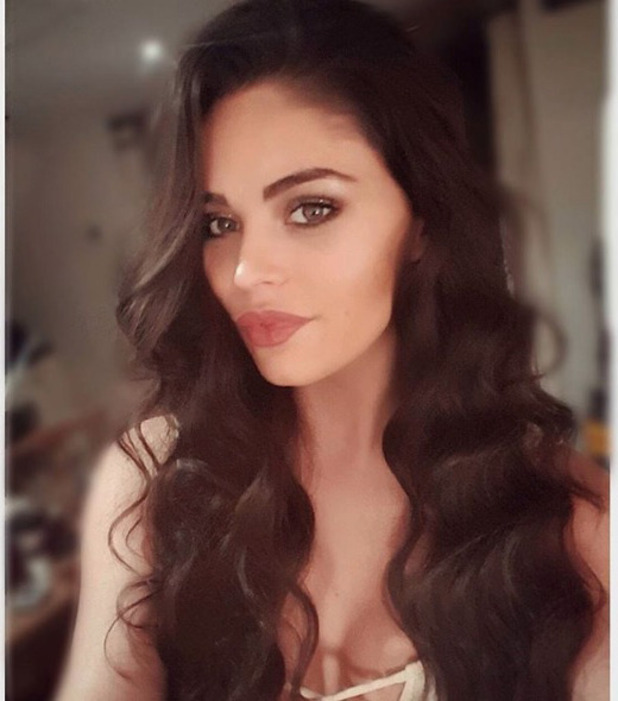 Love Island star Emma-Jane Woodhams shows off new hair extensions, 14 December 2016